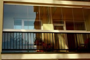 Balkona bezrāmju iestiklošana, Lodžijas iestiklošana, Terases iestiklošana – Keraplast Latvia